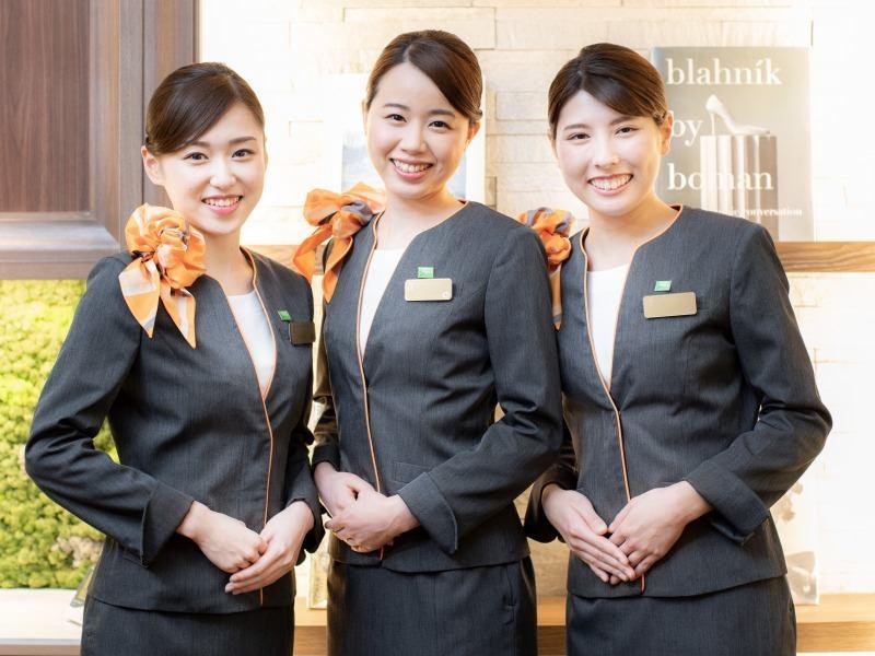 ホテル 制服 女性